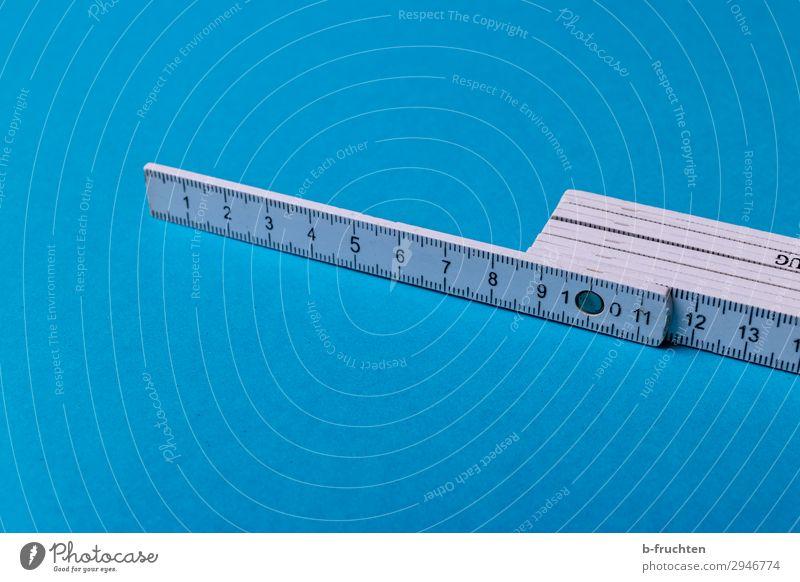 Maßnehmen Handwerker Baustelle Business Beton Holz Arbeit & Erwerbstätigkeit wählen gebrauchen blau weiß messen Zollstock ausmessen Skala Messinstrument