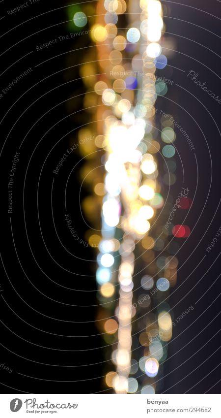 Lichterzeug Nachtleben außergewöhnlich glänzend Gefühle Stimmung Lichterscheinung Lichtspiel Lichtschein Lichterkette Lichtpunkt lichtvoll Lichtblick