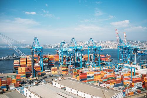 Valparaiso - Hafen blau Stadt Meer orange Kleinstadt Container Chile entladen Containerschiff Hafenkran Valparaíso