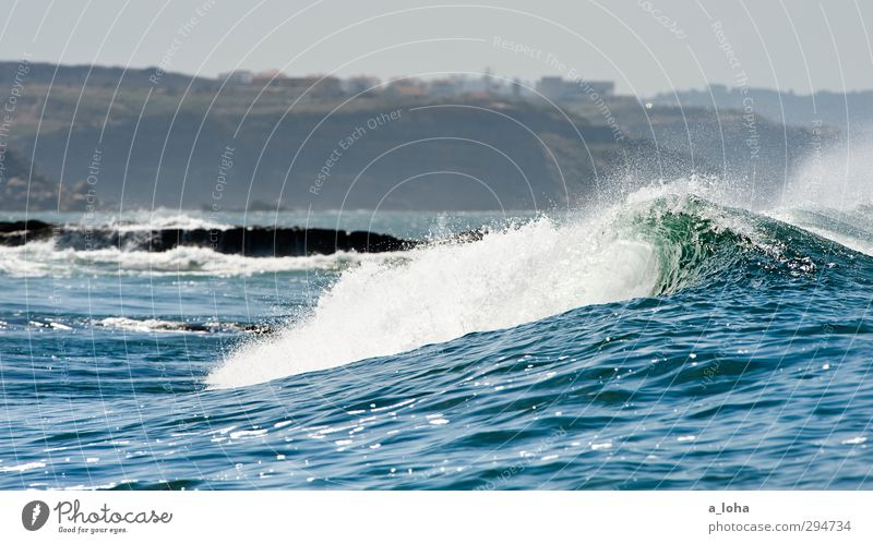fall with me Umwelt Natur Landschaft Urelemente Wasser Wassertropfen Himmel Wolkenloser Himmel Sommer Klima Schönes Wetter Wärme Felsen Wellen Küste Strand