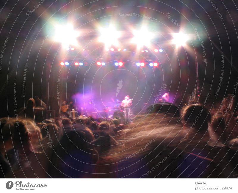 Headbangers Konzert Kopfschütteln Licht Bühne Open Air Menschengruppe Tanzen Musik Haare & Frisuren torfrock