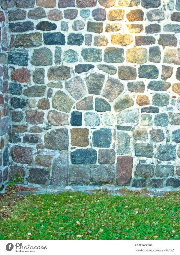 Fenster alt schön Haus Wand Architektur Gebäude Mauer Fassade Tür historisch Bauwerk Dorf gut Denkmal Sehenswürdigkeit