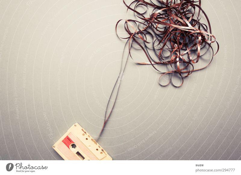 Mixtape Lifestyle Stil Design Freizeit & Hobby Musik Musik hören Medien alt authentisch einfach kaputt retro braun grau chaotisch Kreativität Musikkassette