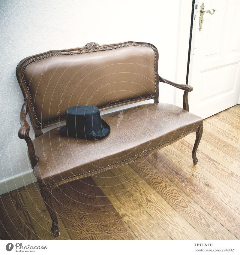 wie ein Kaninchen aus dem Zylinderhut. elegant Stil Häusliches Leben Wohnung Haus Innenarchitektur Dekoration & Verzierung Möbel Bank Hut Holz sitzen trendy
