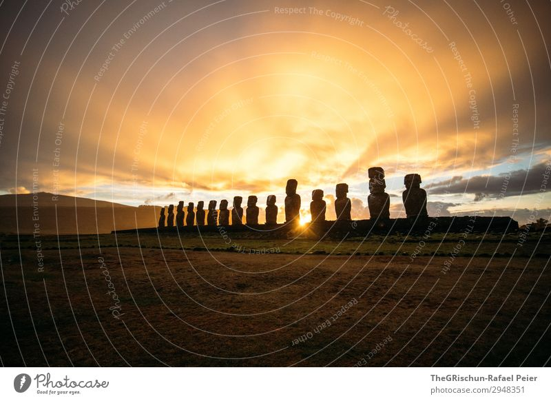 MOAI - Osterinsel - Sunrise Natur Sonne Wolken schwarz gelb Stimmung gold Hügel Statue bauen Chile Steinmännchen Osterinseln