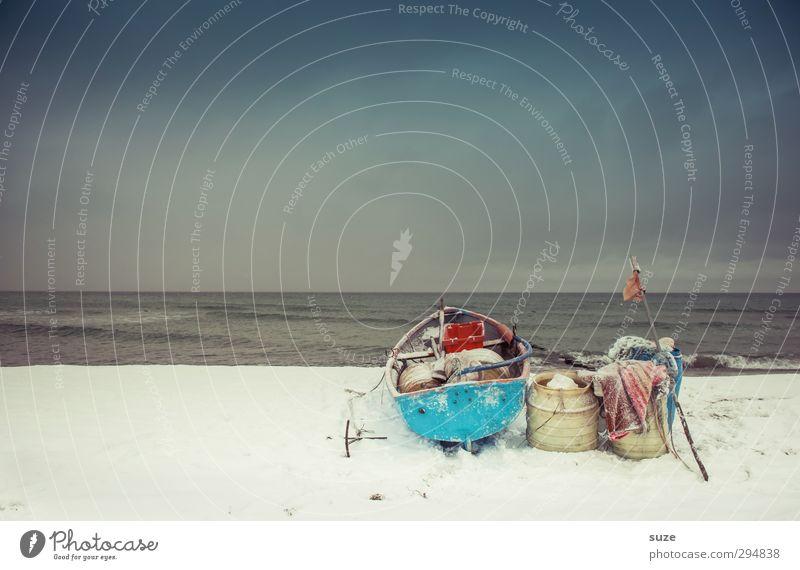 Als die Fische verschwanden ruhig Strand Meer Insel Winter Schnee Umwelt Natur Landschaft Urelemente Himmel Wolkenloser Himmel Horizont Küste Ostsee Fischerboot