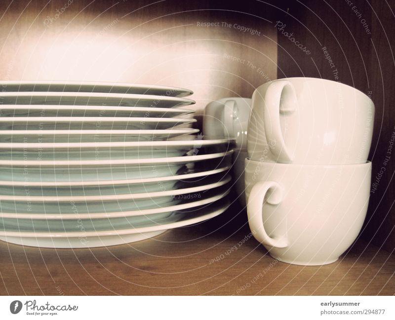 nicht mehr alle Tassen im Schrank Kaffeetrinken Geschirr Teller Schalen & Schüsseln Häusliches Leben Wohnung einrichten Wohnzimmer Esszimmer Anrichte