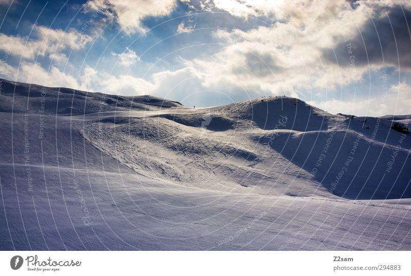 licht und schatten Ferien & Urlaub & Reisen Wintersport Skifahren Natur Landschaft Schnee Hügel Alpen Berge u. Gebirge ästhetisch dunkel Erholung