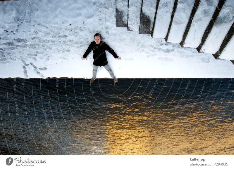 spree - ich steh auf dich! Mensch maskulin Mann Erwachsene Körper 1 30-45 Jahre Winter Eis Frost Schnee Flussufer Jeanshose Mantel liegen Blick