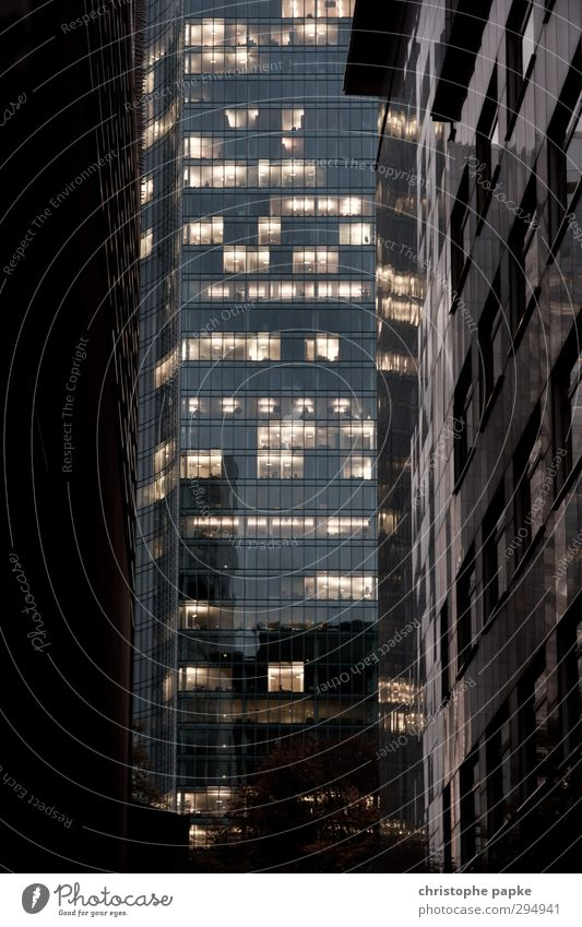 Blick auf die Banken Stadt Architektur Business Büro modern Hochhaus Macht Bankgebäude Stadtzentrum Handel Wirtschaft Frankfurt am Main Konkurrenz