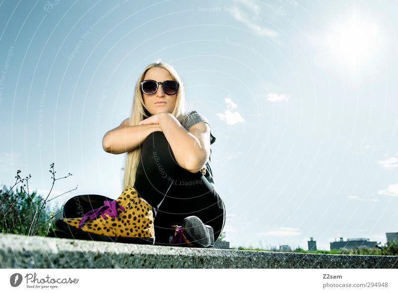 warten auf den frühling Jugendliche schön Sommer Landschaft ruhig Erholung Junge Frau Erwachsene feminin 18-30 Jahre Denken Stil Mode träumen blond
