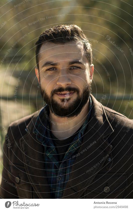 Erwachsener Mann Porträtbild Bild Lifestyle Winter Mensch 30-45 Jahre Jacke ästhetisch Coolness trendy Arabien berd bärtig nahöstlich Nationalitäten u. Ethnien