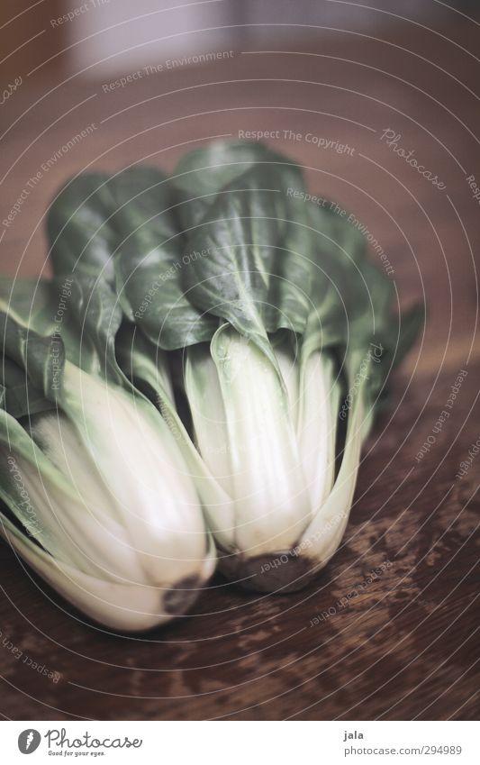 mangold Lebensmittel Gemüse Mangold Ernährung Bioprodukte Vegetarische Ernährung frisch Gesundheit natürlich braun grün Holztisch Farbfoto Innenaufnahme
