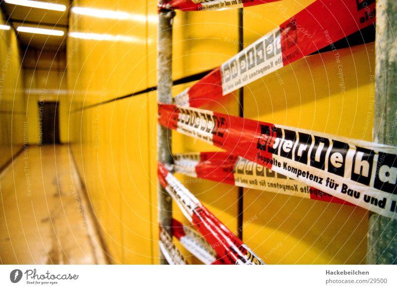 urbane baustellen Stadt gelb Architektur Eisenbahn Baustelle U-Bahn Bahnhof S-Bahn Untergrund Fluchtpunkt