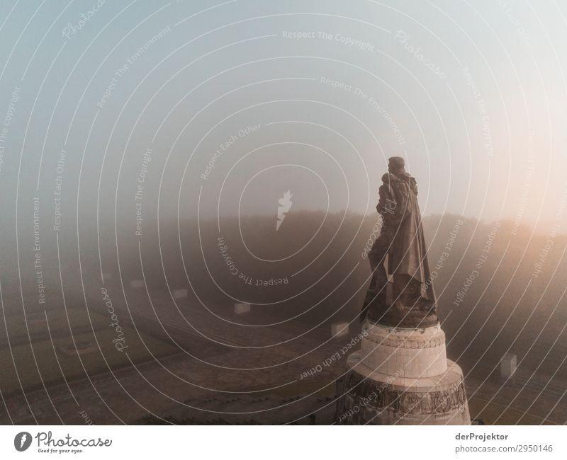 Sowjetisches Ehrenmal in Treptow Ferien & Urlaub & Reisen Tourismus Ausflug Abenteuer Ferne Freiheit Sightseeing Städtereise Hauptstadt Stadtzentrum Architektur