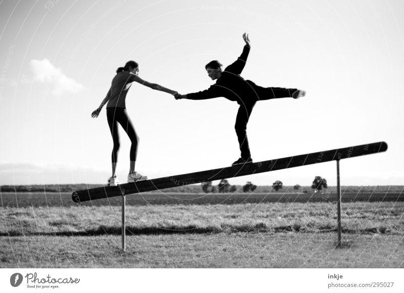 ...from my friend Freude sportlich Fitness Freizeit & Hobby Spielen Sport-Training trimm dich pfad Balken Schwebebalken Mensch Mädchen Junge Geschwister