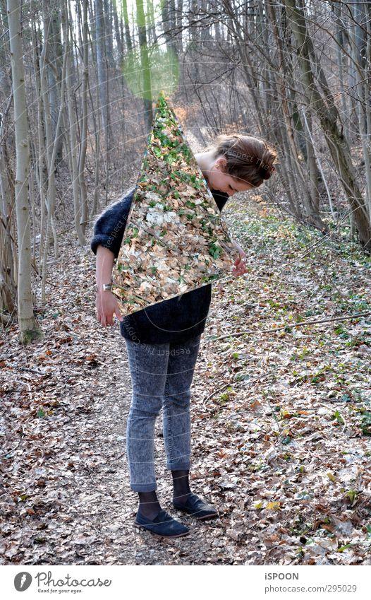 ∆ Stil Mensch feminin Junge Frau Jugendliche Körper Kopf Haare & Frisuren 18-30 Jahre Erwachsene Umwelt Natur Baum Wald festhalten ästhetisch