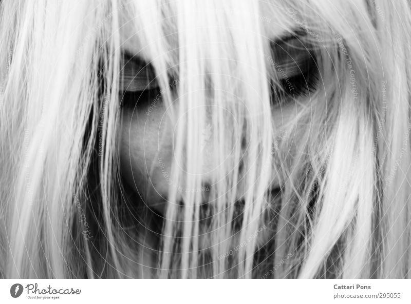 bound by the life you left behind Haare & Frisuren feminin Junge Frau Jugendliche Erwachsene Gesicht 18-30 Jahre blond weißhaarig langhaarig schlafen ästhetisch