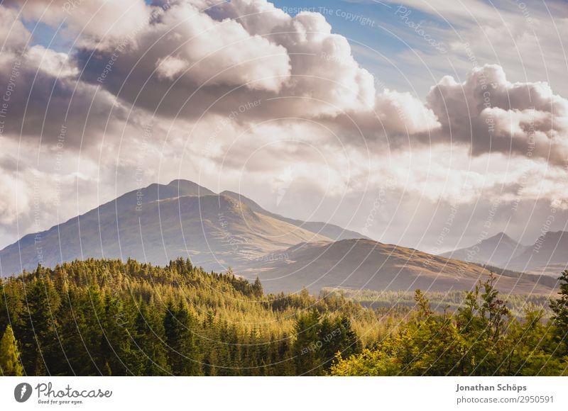 Berge am Glen Coe, Highlands, Schottland Umwelt Natur Landschaft Luft Himmel Wolken Sommer Wetter Schönes Wetter Wald Felsen Berge u. Gebirge Zufriedenheit