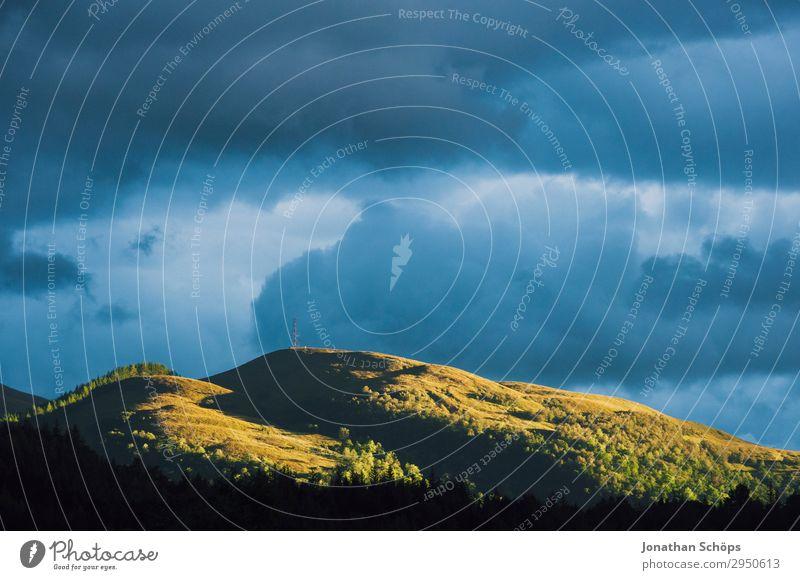 letzter Sonnenstrahl am Berg Highlands, Schottland Himmel Natur Landschaft Baum Wald Reisefotografie Berge u. Gebirge Umwelt außergewöhnlich wandern ästhetisch