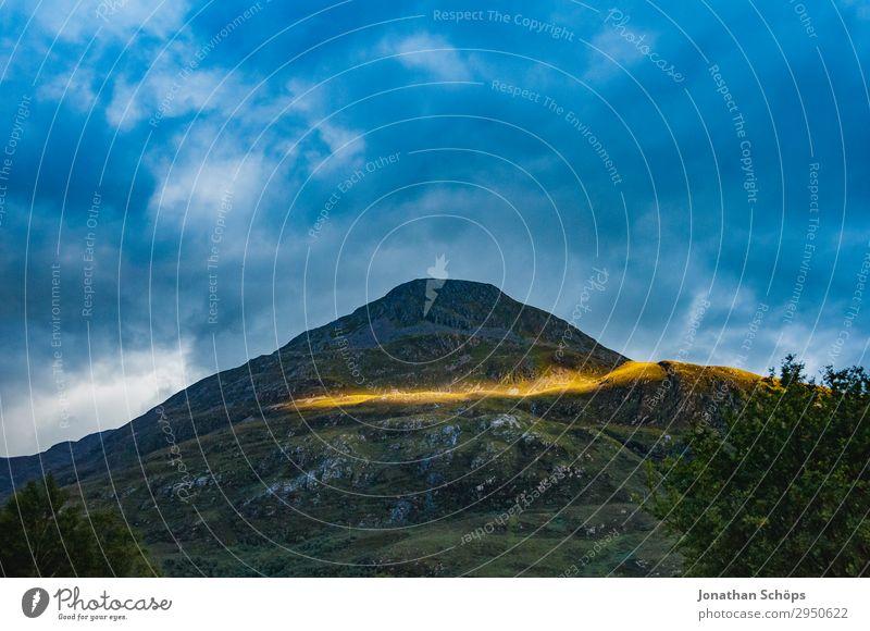 letzter Sonnenstrahl am Berg Highlands, Schottland Himmel Natur Landschaft Reisefotografie Berge u. Gebirge Umwelt außergewöhnlich Felsen wandern ästhetisch