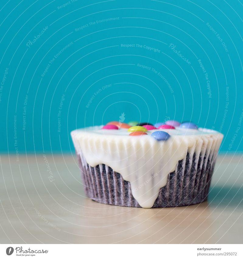 Küchlein Lebensmittel Teigwaren Backwaren Kuchen Dessert Süßwaren Glasur Zuckerglasur Schokolinsen Cupcake Ernährung Kaffeetrinken Büffet Brunch Picknick Diät