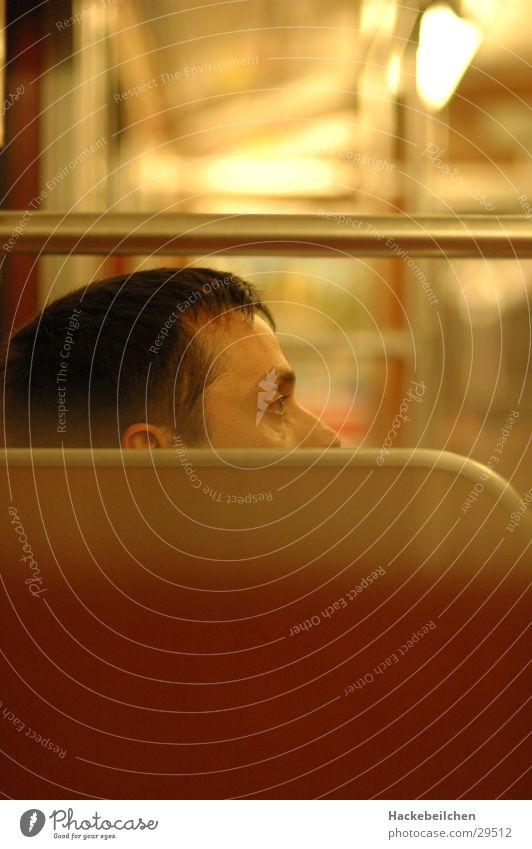 sitzung I Mensch warten Eisenbahn fahren U-Bahn Passagier