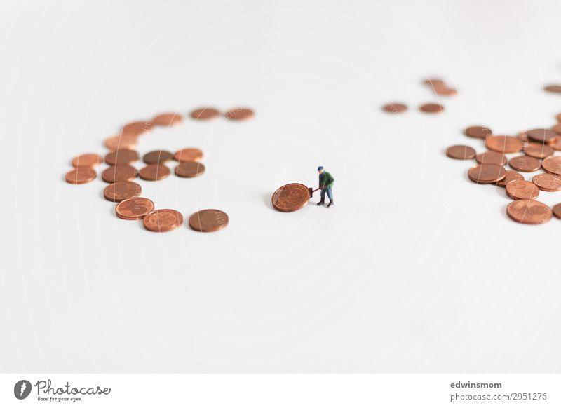 Euro maskulin Mann Erwachsene 1 Mensch Winter Mütze Geldmünzen Ziffern & Zahlen Eurozeichen Arbeit & Erwerbstätigkeit bauen Bewegung machen stehen authentisch