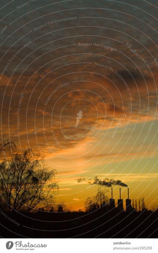 Fernwärme Himmel Natur Landschaft Wolken ruhig Umwelt Herbst Arbeit & Erwerbstätigkeit Wetter Klima Energiewirtschaft Schönes Wetter Industrie Fabrik Skyline
