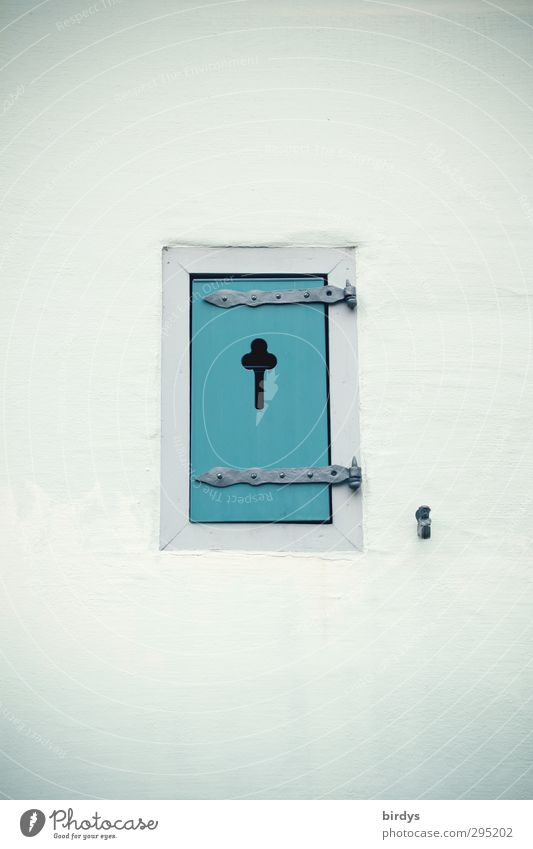 türkis blau schön Stadt Fenster Fassade geschlossen frisch ästhetisch Freundlichkeit historisch Kreuz Fensterladen