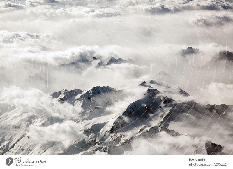 Alpenblick - Über den Wolken II Himmel Natur Ferien & Urlaub & Reisen schön Landschaft Wolken Erholung Umwelt Berge u. Gebirge Stimmung Klima authentisch Tourismus Abenteuer Flugzeug Alpen