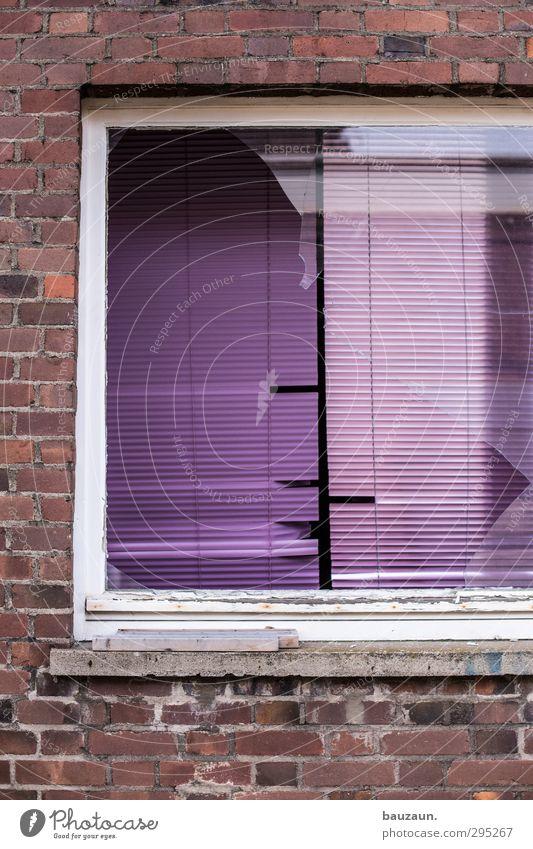 ut köln | clouth | zu reparieren. alt Haus Fenster Wand Holz Mauer Gebäude Stein Fassade Wohnung Glas Häusliches Leben Beton kaputt Baustelle Industrie