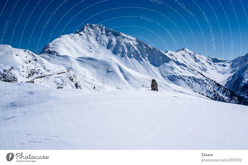 Richtung Jaufenpass Umwelt Natur Landschaft Himmel Wolkenloser Himmel Winter Schönes Wetter Schnee Alpen Berge u. Gebirge Gipfel eckig Ferne gigantisch kalt