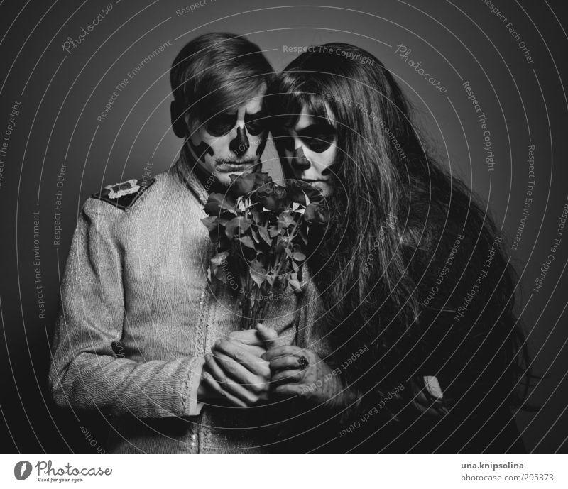 der tod und das mädchen IV Mensch Frau Mann Jugendliche Erwachsene dunkel Liebe Tod Gefühle Traurigkeit 18-30 Jahre Paar träumen außergewöhnlich blond Vergänglichkeit