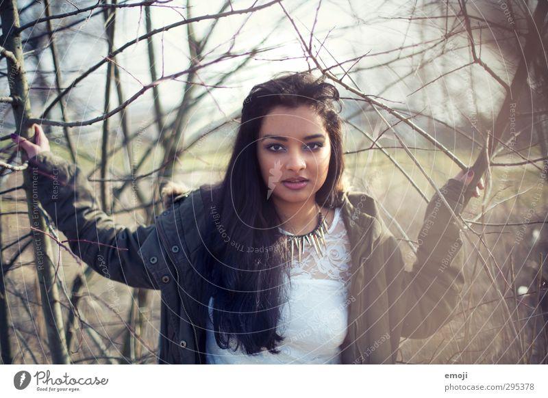 out-standing Mensch Jugendliche schön Junge Frau Erwachsene feminin 18-30 Jahre Mode selbstbewußt