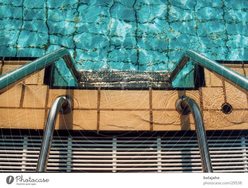 Schwimmbadtreppe Wasser Sommer Freizeit & Hobby Treppe Schwimmbad Fliesen u. Kacheln Kühlung Freibad