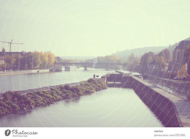 vintage Landschaft Wasser Wolkenloser Himmel Horizont Herbst Schönes Wetter Pflanze Flussufer Main Stadt Hafenstadt Stadtzentrum Altstadt Menschenleer Brücke