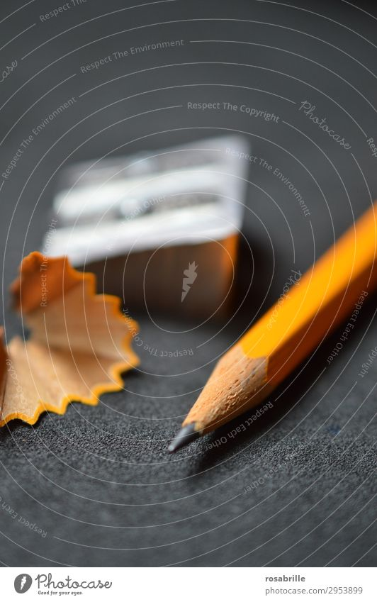 Beistiftspitzer | Fingerspitzengefühl Erfolg Bildung Schule lernen Arbeit & Erwerbstätigkeit Büroarbeit Arbeitsplatz Karriere Kunst Schreibwaren Holz zeichnen