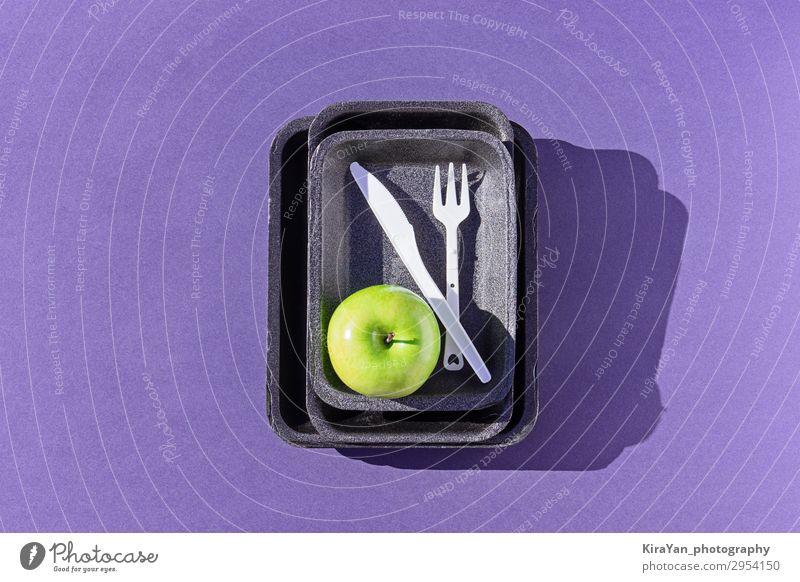 Lifestyle Umwelt natürlich Textfreiraum Kreativität kaufen Sauberkeit Symbole & Metaphern Kunststoff Apfel Diät Müll Kasten Snack Verpackung Entwurf