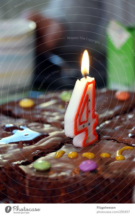 Endlich 4 Essen Feste & Feiern Lebensmittel Geburtstag Ernährung Kerze lecker Süßwaren Kuchen Schokolade Backwaren Torte Teigwaren Geburtstagstorte Kakao Kindergeburtstag
