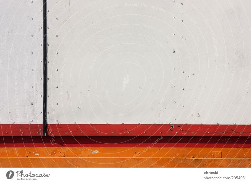Schlicht Design Lastwagen Anhänger Niete Linie Streifen orange rot Farbfoto Außenaufnahme abstrakt Muster Strukturen & Formen Textfreiraum rechts