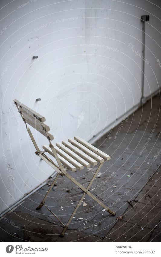 ut köln | clouth | stuhl nochmal anders. Haus Garten Hausbau Renovieren Umzug (Wohnungswechsel) einrichten Stuhl Handwerker Industrie Baustelle Kabel