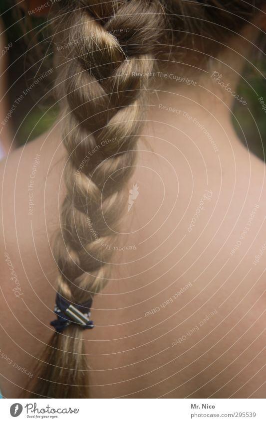 Matahaari feminin Mädchen Junge Frau Jugendliche Haut Haare & Frisuren Rücken 1 Mensch blond langhaarig Zopf geflochten Kindfrau reizvoll Pubertät attraktiv