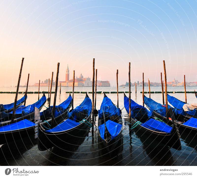 Venedig, Italien Stadt Altstadt Kirche Architektur Wahrzeichen Denkmal Schifffahrt Hafen Ferien & Urlaub & Reisen Gondel (Boot) Europa Reisefotografie Farbfoto
