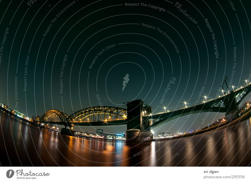 Nacht lichter Freizeit & Hobby Ausflug Städtereise Winter Industrie Wasser Nachthimmel Schönes Wetter Flussufer Köln Skyline Brücke Bauwerk beobachten