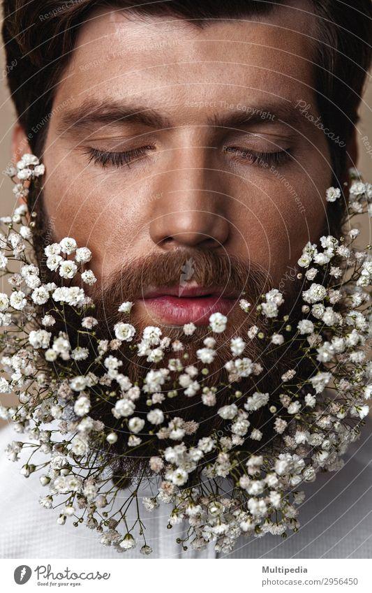 Männer mit Blumen in ihren Bären Lifestyle elegant Stil Design Gesicht Mensch Mann Erwachsene Frühling Mode Vollbart Wachstum Coolness Erotik trendy lustig