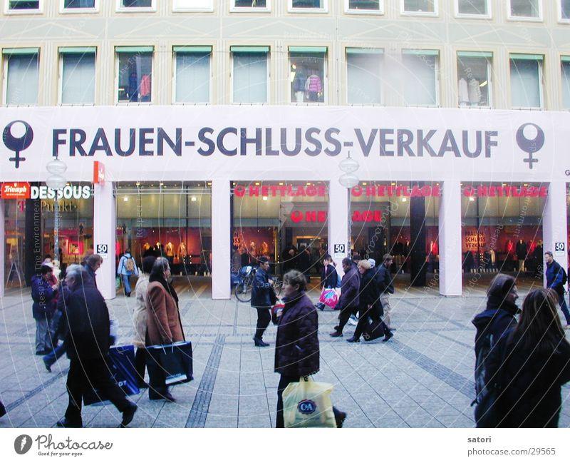 FussgängerzoneMünchen Frau Mensch Stadt kaufen Fußgänger Geschlecht