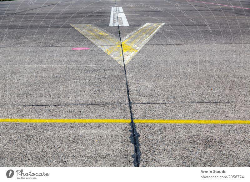 Streetart VIII Stil Design Stadt Verkehrswege Straße Autobahn Landebahn Zeichen Ornament Schilder & Markierungen Hinweisschild Warnschild Verkehrszeichen Linie