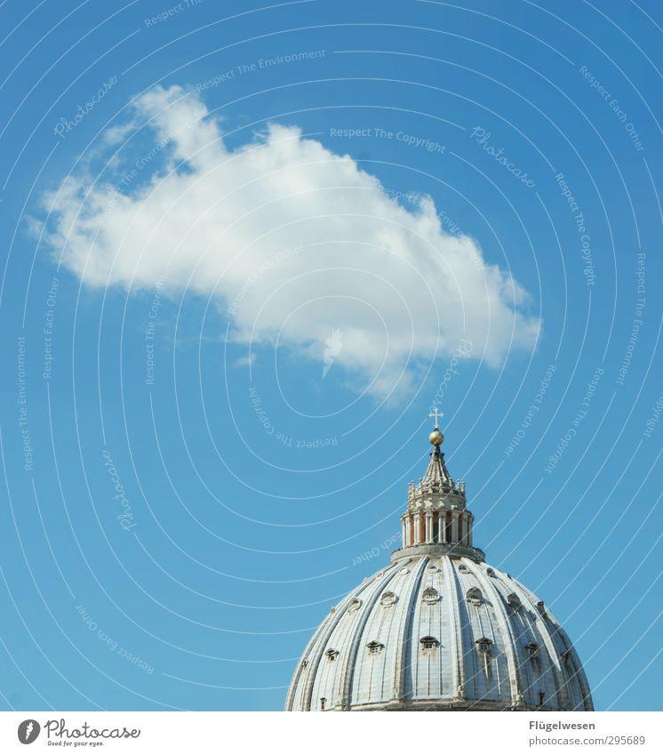 Weißer Rauch in Rom Ferien & Urlaub & Reisen Stadt Wolken Architektur Religion & Glaube Freizeit & Hobby Lifestyle Tourismus Beton Kirche Ausflug Frieden