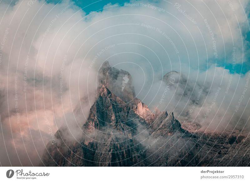 Nebliger Sonnenaufgang in den Dolomiten Ferien & Urlaub & Reisen Tourismus Ausflug Abenteuer Ferne Freiheit Berge u. Gebirge wandern Umwelt Natur Landschaft